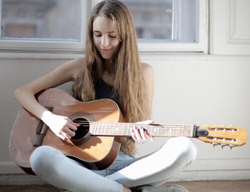 Quelle est la taille de guitare adaptée selon l'âge d'un enfant ?